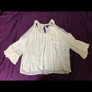Shoulder key hole blouse